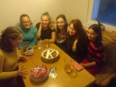 Kudly pečou dort (narozeninová schůzka)